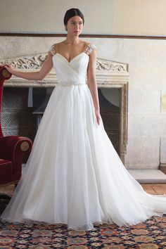 Debra gown from the 2015 Augusta Jones collection, as seen on Bride.Canada