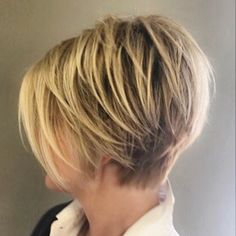40 Gorgeous Layered Haircuts for Fancy Look Bobs, Short layered … Einfache Frisuren - Thin Hair Cuts Short Bob Cuts, Short Layered Haircuts, Short Hair Cuts, Short Bobs, Bob Hairstyles 2018, Short Hairstyles For Women, Wedge Hairstyles, Hairstyles Men, Bob Cuts For Women