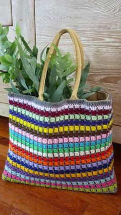 Ingrids creaties .: ... en natuurlijk SAS tassen ... Crotchet Bags, Crochet Beach Bags, Free Crochet Bag, Crochet Market Bag, Crochet Tote, Crochet Handbags, Knitted Bags, Baby Blanket Crochet, Knit Crochet