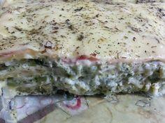 Uma delicioso prato para seu fim de semana  Ingredientes 1 pacote de massa rolo para pastel 4 maços de brócolis 3 colheres (sopa) de creme de cebola 1 colher (sopa) de creme de queijo 1