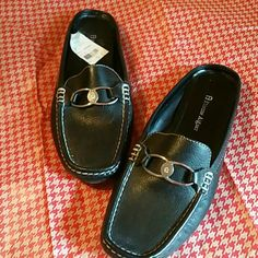 Price Firm  Etienne Aigner Shoes  Authentic Etienne Aigner loafer style shoes. New, never worn. Color is black with silver hardware. Dress up with dress, skirt or jeans  Price firm unless bundled    ❎ No Trades or PayPal Etienne Aigner Shoes Flats & Loafers