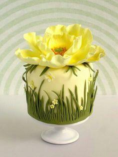 Yellow Poppy Cake, small cake creator Pamela, Made with Love Gorgeous Cakes, Pretty Cakes, Cute Cakes, Amazing Cakes, Take The Cake, Love Cake, Fancy Cakes, Mini Cakes, Fondant Cakes