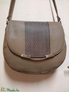 Fonott fedeles Női táska (fgabor1) - Meska.hu Saddle Bags, Fashion, Moda, Fashion Styles, Fashion Illustrations