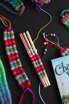 Learn how easy it is for kids to weave bracelets, necklaces and headbands with 3 drinking straws and some yarn (with video). Yarn Crafts For Kids, Easy Crafts, Arts And Crafts, Straw Weaving, Weaving For Kids, Weaving Yarn, Happy Hooligans, Woven Bracelets, Origami Art