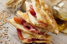 Turkish Recipes, Ethnic Recipes, Salami And Cheese, Italian Bistro, Italian Bread, Sliced Potatoes, Dry Yeast, Baking Pans, Brot