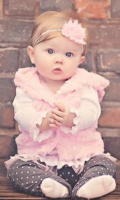 Check out dozens of unique baby girl names 2016 that are rare and cool without being weird, hand picked for cute babies like yours! Baby Girl Names 2016, Baby Girl Images, Precious Children, Beautiful Children, Beautiful Babies, Happy Children, Cute Baby Pictures, Newborn Pictures, My Little Girl