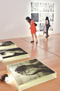 Vista de sala: Oscar Muñoz. Protografías. Hasta el 25 de febrero de 2013 en Malba.