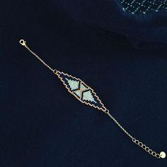 Et un petit bracelet pour aller avec ma cape#jenfiledesperlesetjassume#capemimosa