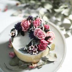 Thailand, Bangkok Aug 18,19,20 Beanpaste 3days class.   Inquiry @bakery_by_ploy .  #wishcake#떡바람#cakeartist #cakedeco #koreancake #beanpasteflower#koreanfood#koreaflowercake #豆沙#韩式裱花#韩式#韩式裱花蛋糕 #whitebean#butterflower#buttercream#wilton#peony#ricecake#flowerstargram#thaicake#thailand #bangkokfood #bangkokcake