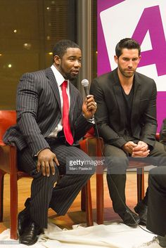 Actors Michael Jai White, Scott Adkins and Dominique Pinon attend the 'Metal Hurlant Chronicles' photocall on October 2012 in Paris, France. Michael Jai White, Scott Adkins, Fitness Inspiration Body, Martial Artists, On October 3rd, Hollywood Actor, American Actors, Sexy Men, Interview