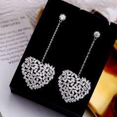 Earrings Silver Needle Jewelry New Jewelry Design Earrings, Ear Jewelry, Cute Jewelry, Gold Jewelry, Jewelry Necklaces, Gold Necklace, Jewelery, Tiffany Jewelry, Silver Earrings