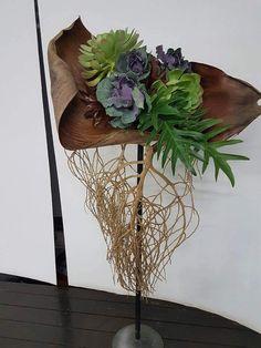 by Willa Botha Tropical Flower Arrangements, Modern Floral Arrangements, Church Flower Arrangements, Deco Floral, Arte Floral, Ikebana, Flower Show, Flower Art, Palm Tree Crafts