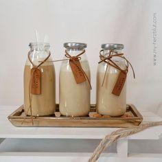 Vanillekipferl-Likör: 1. im Kaffee als Milch / Sahne, 2. fein gesiebt und 3. mit den leckeren gemahlenen Mandeln. Rezept für das köstliche Vanillekipferl-Likör auf dem Blog.