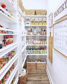 Back to the countdown of my top posts of You guys definitely seem to like organization ideas because my pantry makeover (in… Kitchen Organization Pantry, Pantry Storage, Home Organization, Organized Pantry, Kitchen Storage, Pantry Makeover, Kitchen Pantry Design, Kitchen Decor, Pantry Baskets
