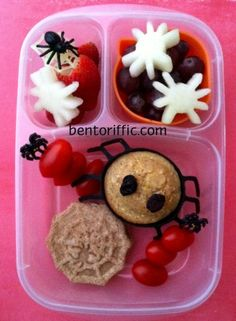 Halloween spider bento lunch in @Kelly Lester / EasyLunchboxes vegan plant based by bentoriffic