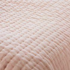 excellent pink bedroom decor pink velvet quilted bedspread x cm maisons du monde with maison du. Black Bedroom Furniture Sets. Home Design Ideas