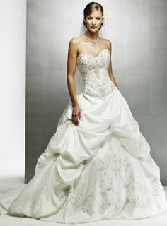 Maggie Sottero Monalisa Royale, find it on PreOwnedWeddingDresses.com