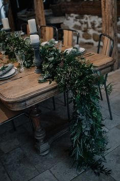 green floral wedding arrangements | Image by Madame A Photographie