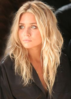 Make a bread and you get big waves, look, like the Olsen twins. #hairinspiration, no heat