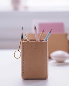 Cute pencil cup for your office by Ham & Lerche  Hand-sewn in Italian leather