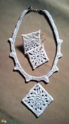 Horgolt ékszer (anyuci14) - Meska.hu Crochet Earrings, Handmade, Jewelry, Fashion, Moda, Hand Made, Jewlery, Jewerly, Fashion Styles