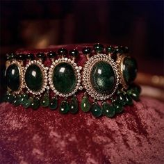 "Sabyasachi Mukherjee ""A stunning emerald and diamond choker featuring a layout of 565 carats of humongous Zambian…"" Diamond Choker Necklace, Bridal Necklace, Diamond Bracelets, Wedding Jewelry, Wedding Necklaces, Pendant Necklace, Garnet Necklace, Gold Pendant, Pearl Necklaces"