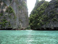 Uno scorcio sull isola in provincia di Krabi in Thailandia nel mare Andamanne. Rubrica immagini di ilViaggio.it.