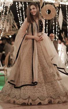 Party Wear Indian Dresses, Pakistani Wedding Outfits, Pakistani Dresses Casual, Designer Party Wear Dresses, Indian Gowns Dresses, Indian Bridal Outfits, Dress Indian Style, Indian Fashion Dresses, Pakistani Dress Design