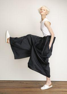 Black Crane - Black Pleats Jumper