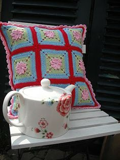 lovely! {idea - no pattern} via innovartencrochet