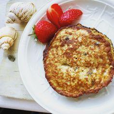 Quick oaty banana mini pancakes- no milk! http://www.captainbobcat.com/quick-oaty-banana-mini-pancakes-no-milk/