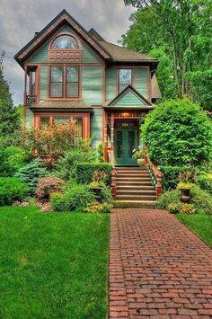 Green #victorianarchitecture