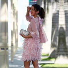 Party Fashion, Fashion 2017, Fashion Dresses, Mode Rococo, Flamingo Costume, Pink Ladies, Feather Skirt, Rococo Fashion, Pink Outfits