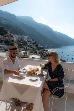 Travel guide to Positano Amalfi coast Italy. A beautiful and romantic destination.