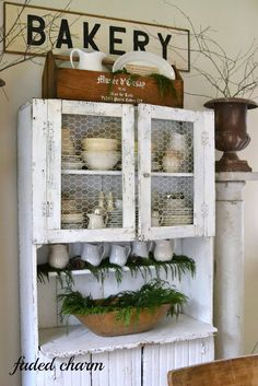 If you love rustic and nature, this Christmas home tour is a MUST see! By Faded Charm featured on I Love That Junk