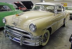 1954 Pontiac Chieftain Eight Custom Catalina 2-Door Hardtop - W O W does this look like my first car!  hmmmmm...