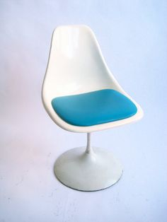 Saarinen's tulip chair.