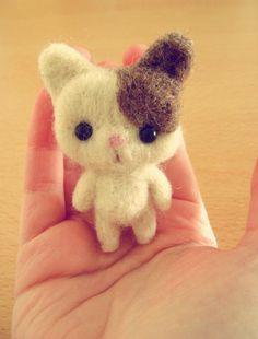 happy sunday! =^_^= needle felt kitty  // gatito hecho en fieltro