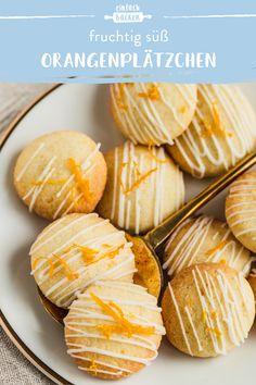 Orangenplätzchen Fruity cookies with chocolate decoration. Chocolate Candy Brands, Chocolate Desserts, Paleo Pumpkin Muffins, Cake Mix Muffins, Orange Cookies, Desserts For A Crowd, Snack Recipes, Snacks, Homemade Candies