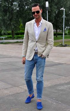 A winning look from the get go - blue suede shoes. Keep it simple with the rest of the outfit.