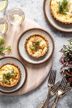 Buttery crust filled with sweet caramelized onions, earthy goat cheese, and fresh thyme baked to perfection. This Goat Cheese Quiche with Caramelized Onions is a great breakfast or brunch dish that is guaranteed to please. #quiche #goatcheesequiche #goatscheese quiche #brunchrecipe #foolproofliving