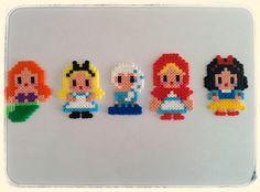 Pixel Art – Princesas Disney e infiltrada. |