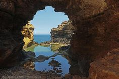 The Grotto Great Ocean road Victoria Australia #igeroftheday #igdaily #igaddict #greatoceanroad #landscape #frame #framed #rocks #holeinrock #landscape #waterscape #water #reflection #visitvictoria #victoria #vic #au #aus #australia #seascape #seaside #sea by cannondigital