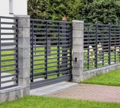 Заборы, Калитки и Ворота / Fences, Wickets and Gates - how to build a fence Concrete Fence Posts, Metal Fence, Fence Doors, Entrance Gates, Classic Fence, Building A Fence Gate, Modern Fence Design, Backyard Garden Design, Garden Architecture