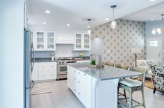 Waypoint® cabinetry in T02 White Thermofoil Episode 3