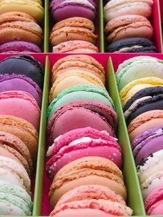 rainbow bright macarons