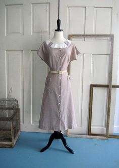 1940s Cotton Day Dress in Size Large $44.00