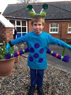 Home Made Kids Alien Costume Could Also Pass For A Bug