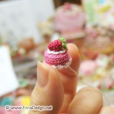 W-I-P Amigurumi Micro Mini Strawberry Cake by enna design, via Flickr #naturadmc #crochet