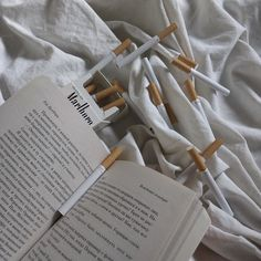 cigarette,book-So take me to the paradiseIt's in your eyesGreen like american moneyYou taste just rightSweet like Tennessee honey. Aesthetic Themes, White Aesthetic, Character Aesthetic, Aesthetic Pictures, Aesthetic Grunge, Grunge Outfits, Theodore Finch, Cigarette Aesthetic, Creepy